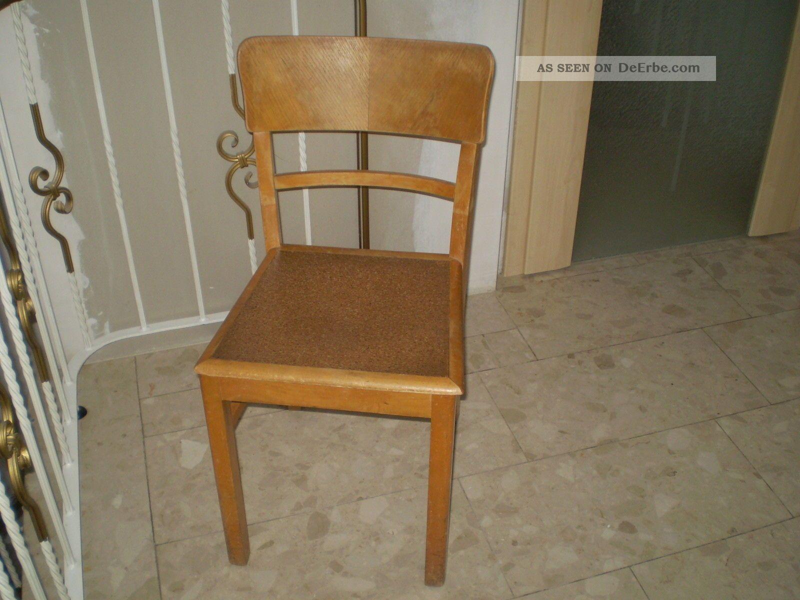 1antiker k chenstuhl holzstuhl um 1940 linolum sitzfl sche alt in originalzust. Black Bedroom Furniture Sets. Home Design Ideas