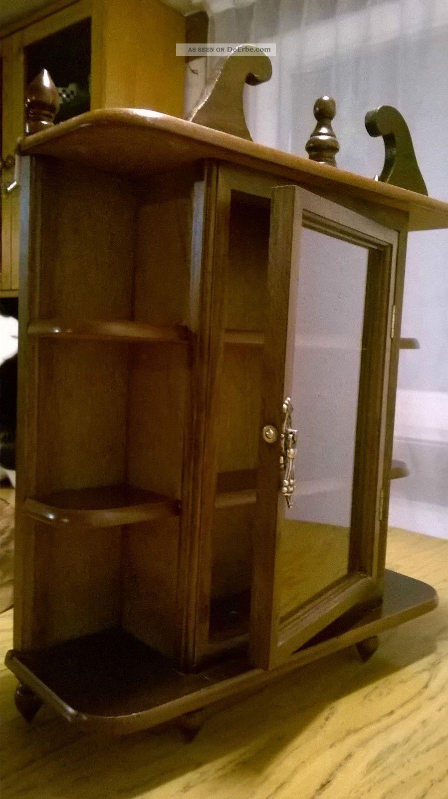 altes sch nes h ngeschr nkchen aus holz mit glasscheibe. Black Bedroom Furniture Sets. Home Design Ideas