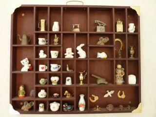 Setzkasten - Holz Mit Miniaturen In Mahagoni - 51 Cm X 42 Cm Bild