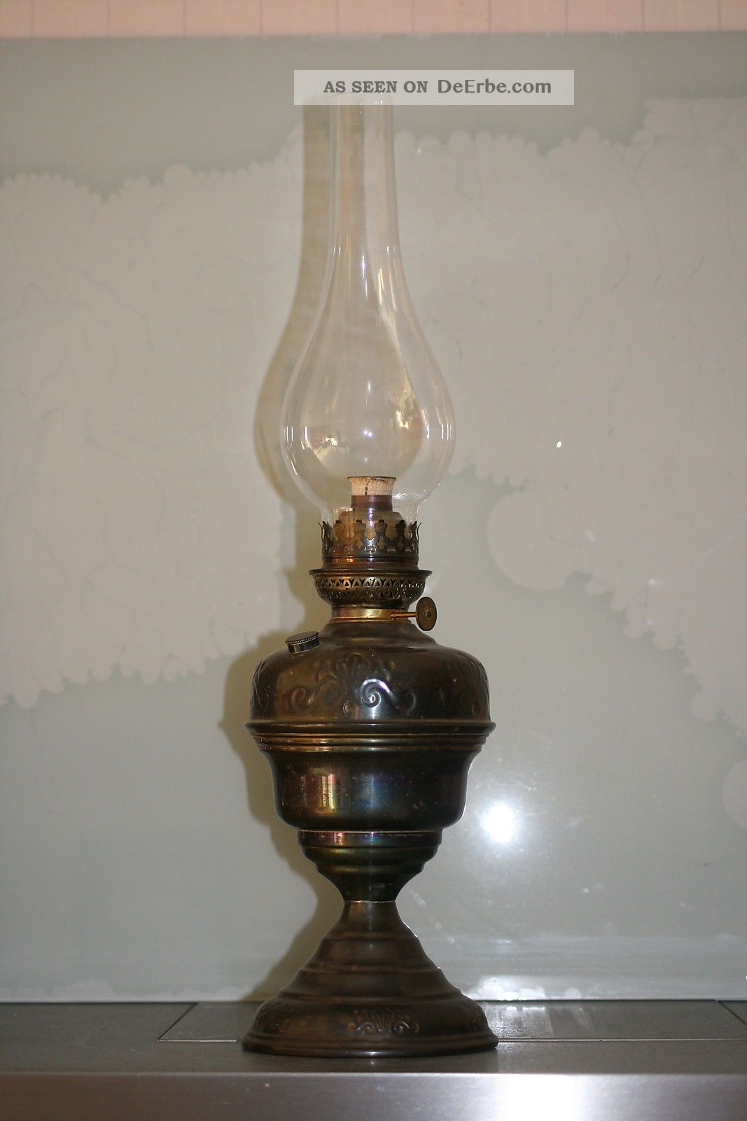 antike petroleumlampe des biedermeier um 1870 80 rar. Black Bedroom Furniture Sets. Home Design Ideas