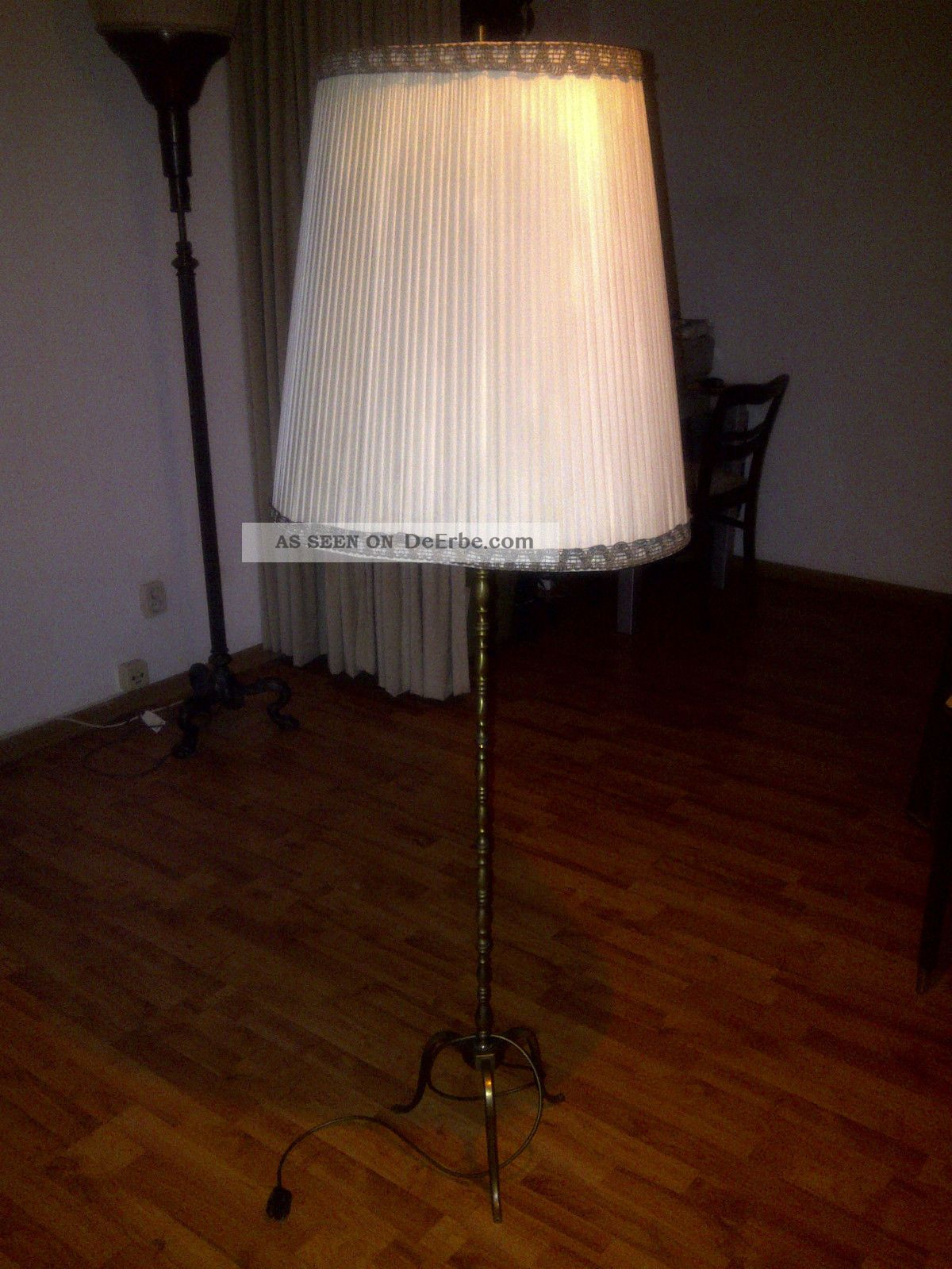 2 sch ne dekorative stehlampen lampen lampenschirm messing lampenst nder. Black Bedroom Furniture Sets. Home Design Ideas
