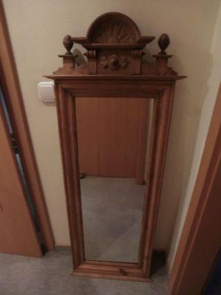 Spiegel mit holzrahmen antik