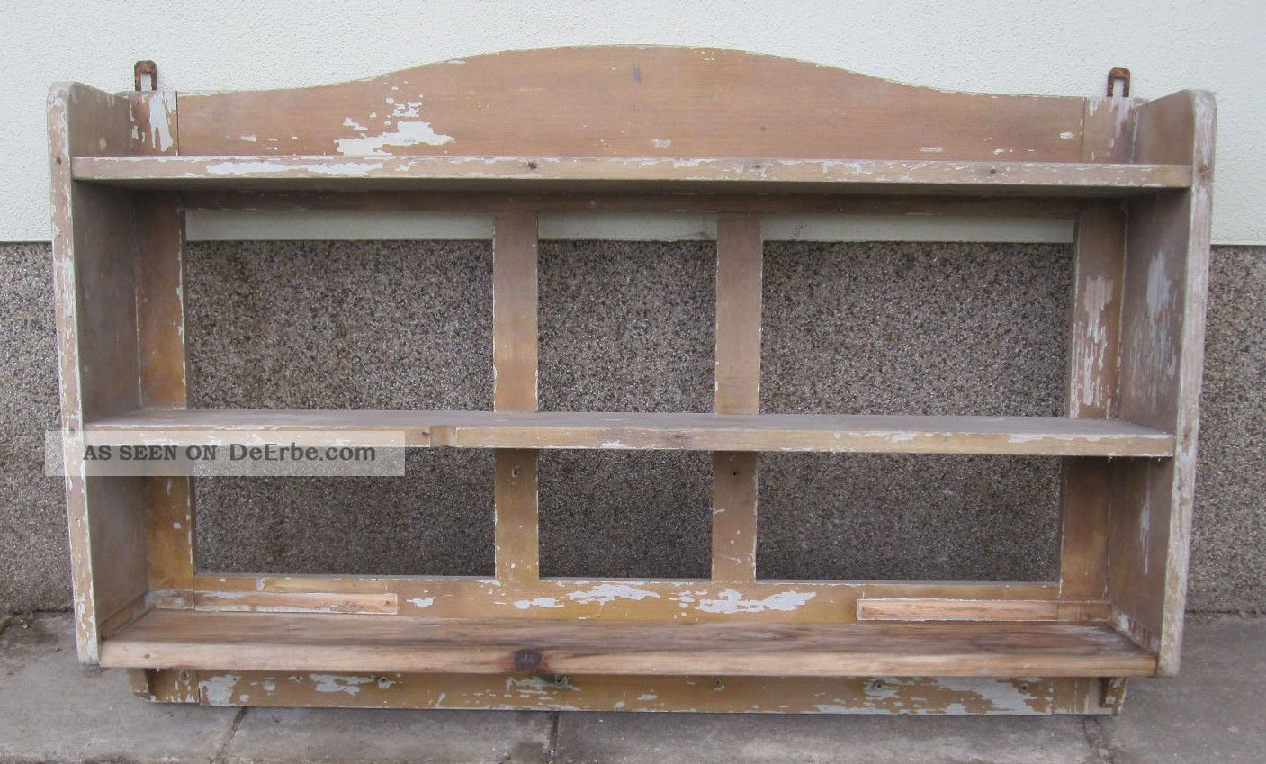 altes antikes regal holzregal wandregal h ngeregal handtuchhalter aus nachlass. Black Bedroom Furniture Sets. Home Design Ideas