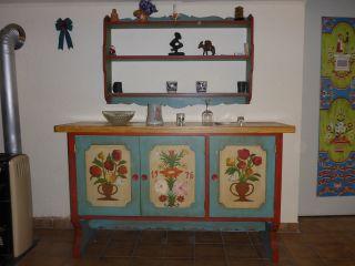 Alte Kommode,  Eckbank,  Regal,  4 Stühle Und Ein Tisch - Kompl.  Speisezimmer Bild