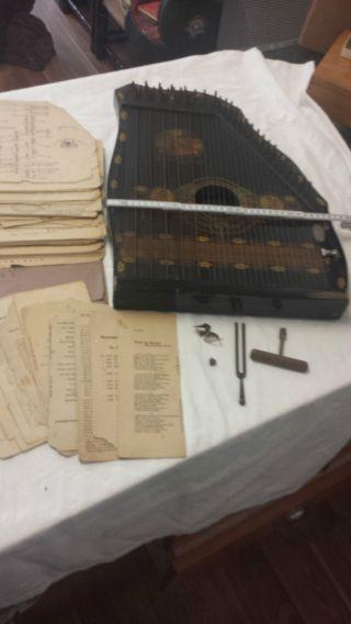 Antik Zitter Mit Holzkasten Bild
