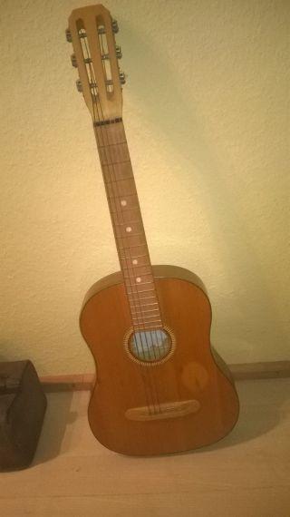 Dachbodenfund,  Alte Konzertgitarre,  Baujahr Unbekannt,  Entsprechend Gut Bild