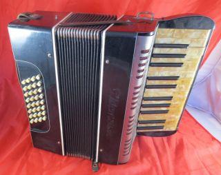 Altes Akkordeon 32 Bässe Um 1950 Bild