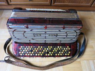 Hohner Maestro Vi 6 Knopf Akkordeon 120 Bass 4 Chöre Perlmutt Rot Bild
