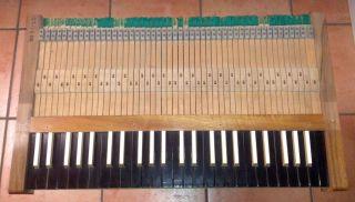 Orgel - / Harmonium Klaviatur,  Historisch,  Auch Zu Dekozwecken,  Tasten Bild