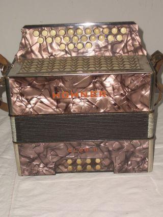Knopfakkordeon Ziehharmonika Akkordeon Hohner Club Ii B Victoria Mit Koffer Bild