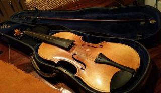 Sehr Alte Geige Mit Zettel Bild