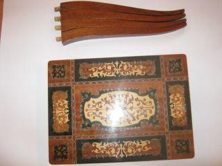Holztischchen Mit Spieluhr Antik Bild