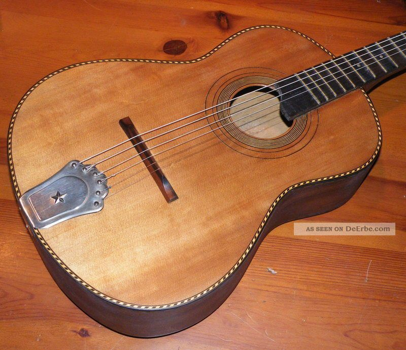 Handgefertigte gitarre massivh lzer aus den 60er jahren for Mobel aus den 60er jahren