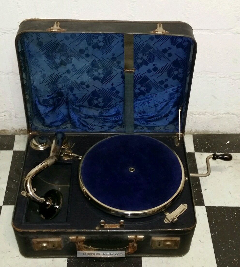 alter plattenspieler grammophon im koffer mit 3. Black Bedroom Furniture Sets. Home Design Ideas