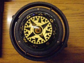 Alter Kompass,  Bootskompass Kardanisch Aufgehängt - Bild