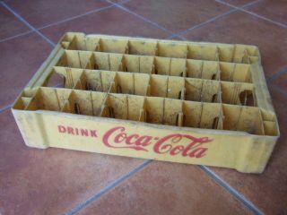 Alte Coca Cola Kiste,  Kunststoff,  Vintage,  Treibgut,  übern Wasserweg Aus China Bild