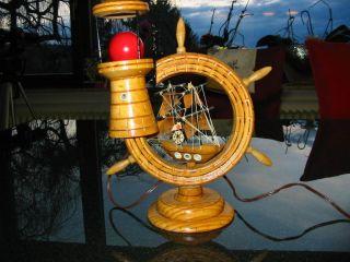 Maritime Deko Lampe Tischlampe Steuerrad Aus Holz Nautika Schiff Leuchtturm Meer Bild