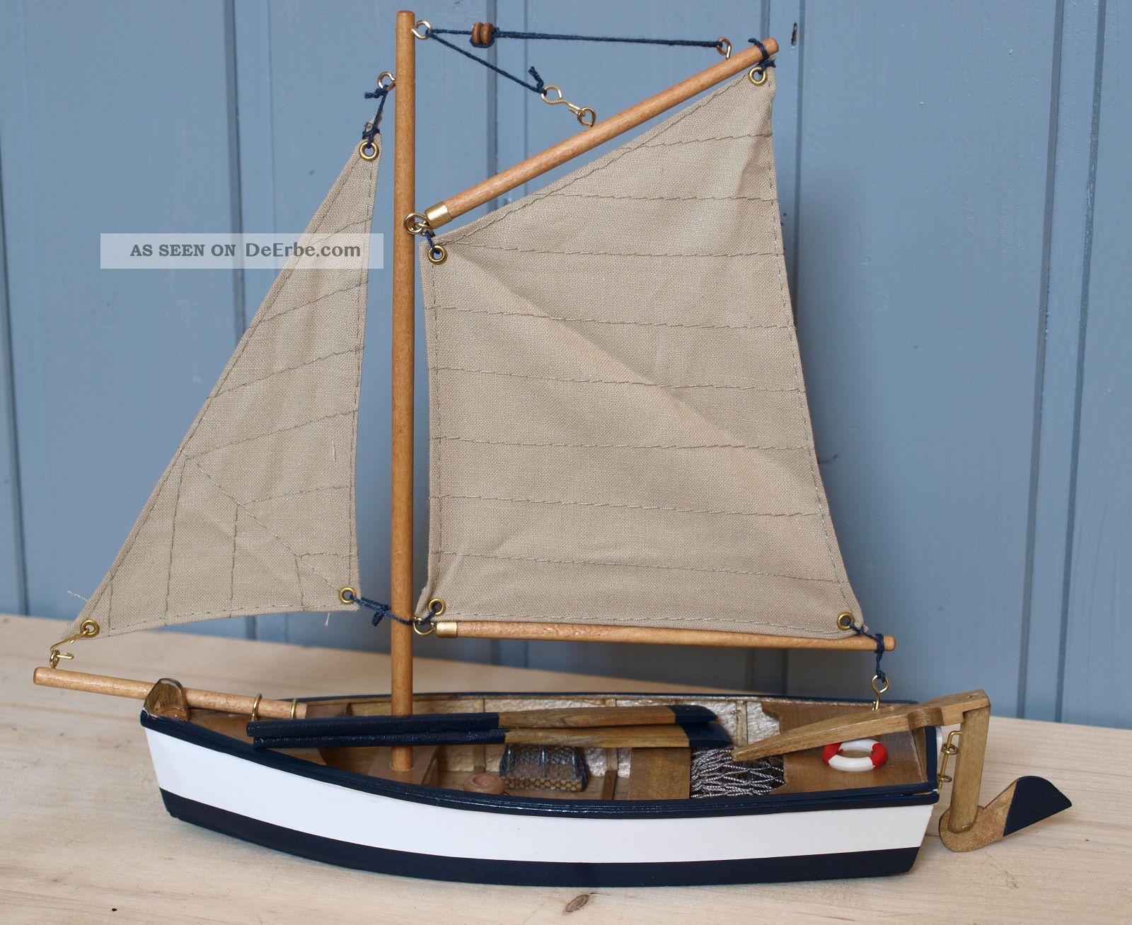 Deko Fischerboot / Segelboot Aus Holz Mit Segel Ca. 28 X 22cm (5138 ...
