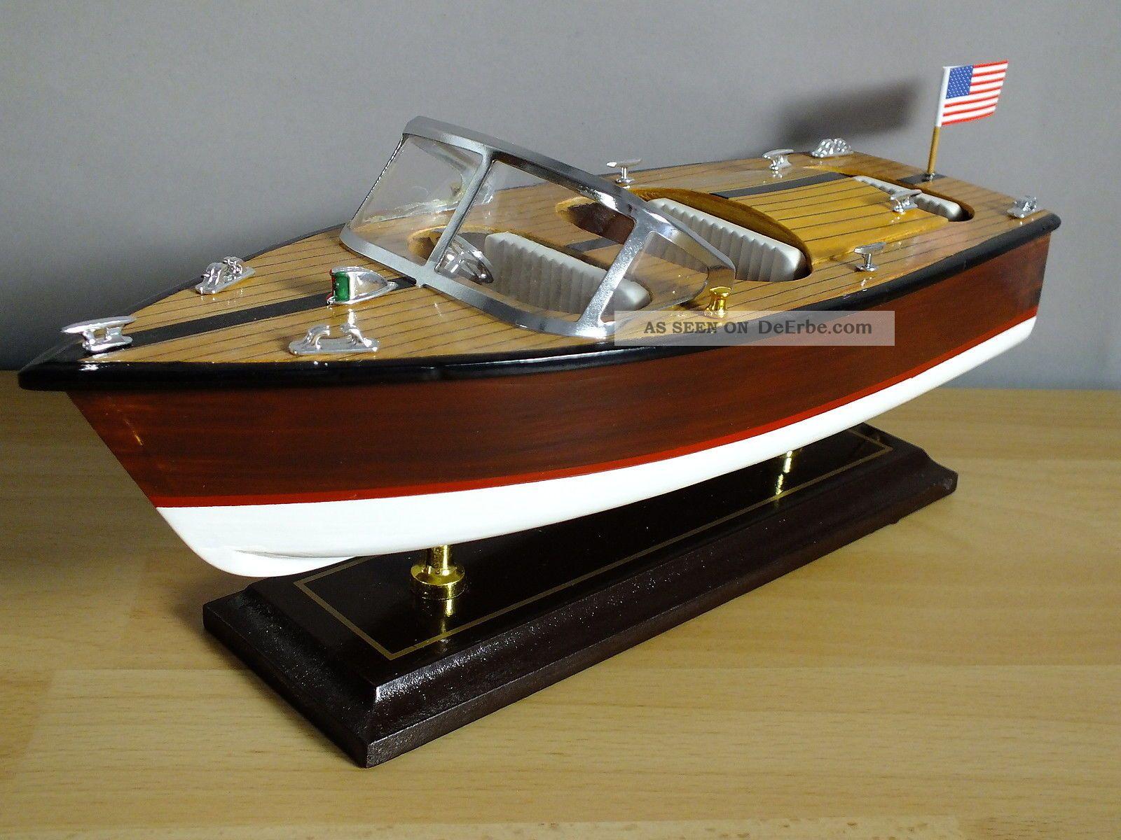 motorboot dekorationsmodell auf st nder werkstoff holz. Black Bedroom Furniture Sets. Home Design Ideas