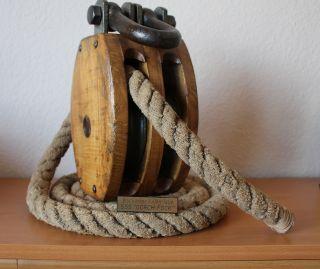 Marine Maritim Nautica Talje Umlenkrolle Block Gorck Fock Flaschenzug Bild