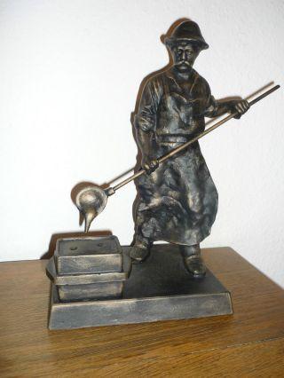 Skulptur/figur Hüttenarbeiter Bronzierter Metallguss Bild