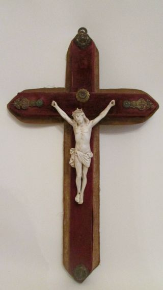 Jesus - Kruzifix - Corpus Aus Porzellan Auf Holz 18/19.  Jhd,  Um 1780/1800 Bild