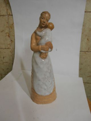Mutter Budapest Ungarn Keramik Skulptur Bild
