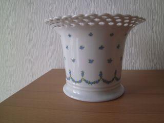 Porzellan / Übertopf / Wallendorf / Groß / Vergißmeinnicht / Durchbrochener Rand Bild