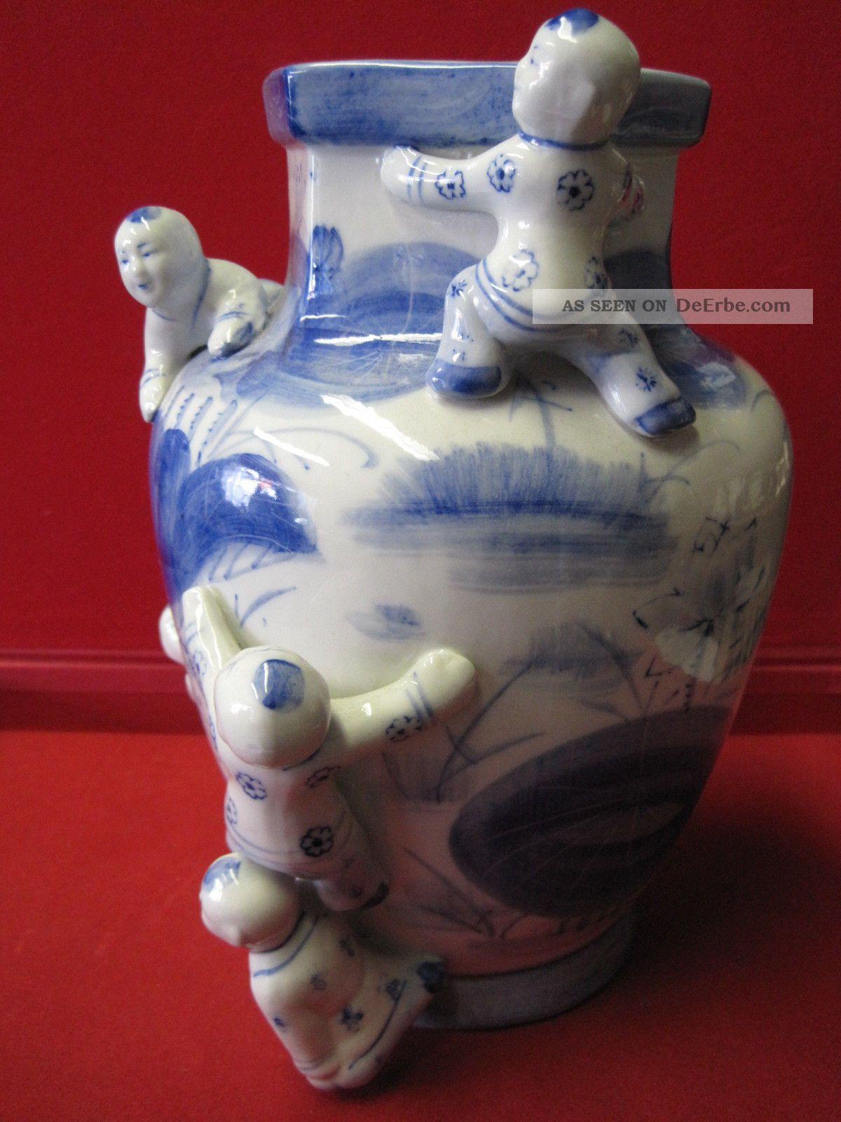 blau weisse blumen vase asiatisch aufgesetzte figuren sehr selten ausf hrung. Black Bedroom Furniture Sets. Home Design Ideas