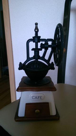 Antike Café Mühle Aus Porzellan Bild