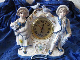 Porzellanfigur Mit.  Uhr,  Rokoko,  Barock,  Junge Und Mädchen,  Goldfarbenen Akzenten Bild