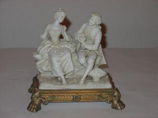 Porzellan Figur Gemarkt M 4 Br Biskuit Mann Flirtet Mit Frau M.  Sockel Bild