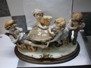 4 Kartenspieler.  Capodimonte,  Italien,  G.  Armani,  40 X 25 Cm,  Kinder,  Karten Bild