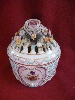 Wien Prächtige Deckeldose Bonboniere Duftpotpourri Roccaien Plastische Blüten Bild