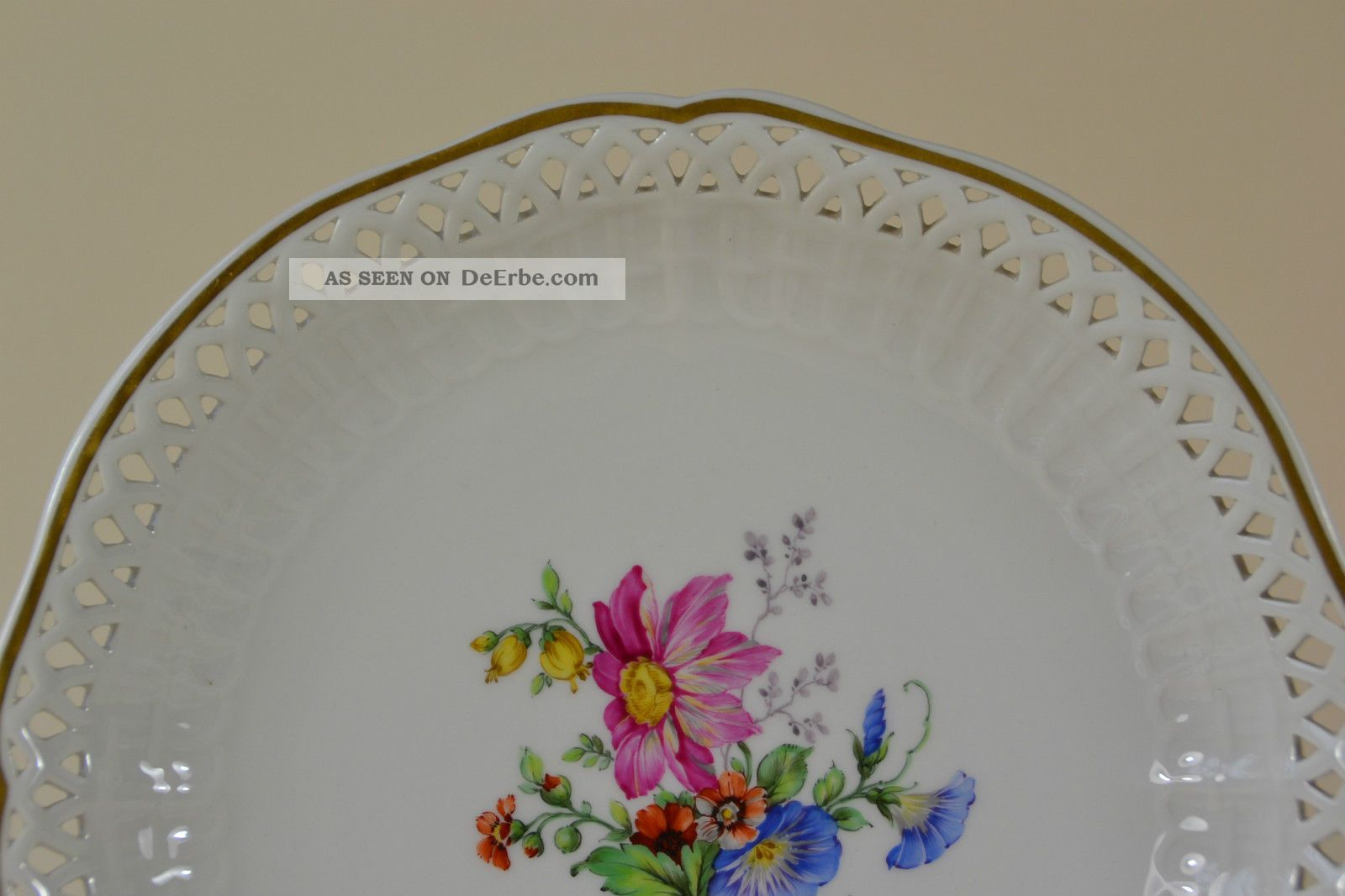 teller kpm berlin von hand bemalt blumen plate hand painted porzellan. Black Bedroom Furniture Sets. Home Design Ideas