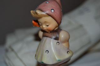 Alte Goebel Figur Mädchen