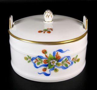 h chst porzellan dose blumendekor sammlerst ck porcelain. Black Bedroom Furniture Sets. Home Design Ideas