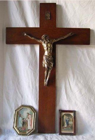Konvolut Devotionalien: Kruzefix,  2 Heiligenbildnissen Um 1900 Bild