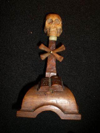 Memento - Mori Darstellung Bein Geschnitzt. Bild
