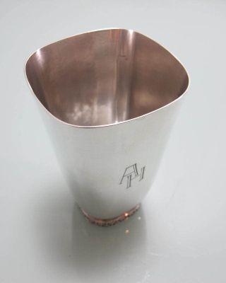 Großer Becher 925 Sterling Silber Fuß Umlaufend Dekor Top Stück Bild