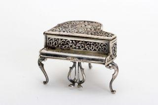 Silber Miniatur,  Flügel Im Barock Stil 20.  Jhdt Bild