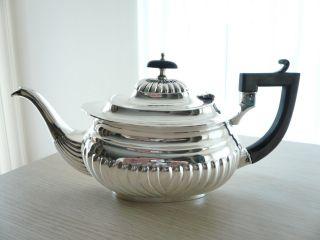 ♛ Klassische Gerippte Englische Silber Teekanne