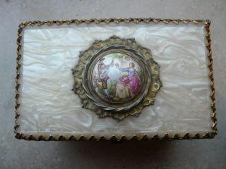 Antike Schatulle Mit Perlmutt Und Lupenmalerei Bild