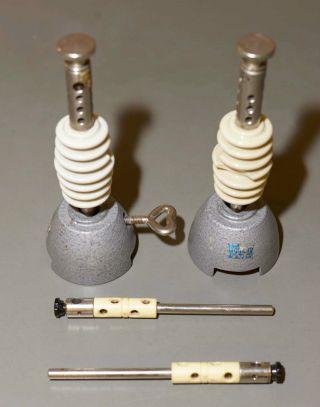 Phywe 2x Stielklemmen / Porzellan - Isolatoren,  2x Tonnenfüße,  2x Verteilerstützen Bild