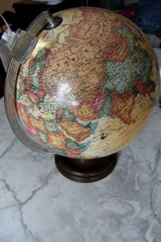 Beleuchtete Scan Globe - - Fuß Aus Holz Und Leselupe (durchmesser 30 Cm) 1980 Bild