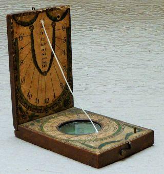 Kompass Und Sonnenuhr Aus Holz,  Sehr Alt,  RaritÄt Bild