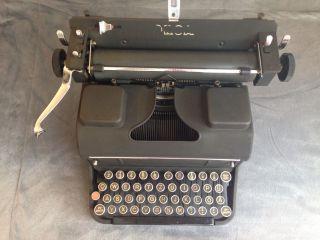 Orga Modell 12 Schreibmaschine Bild