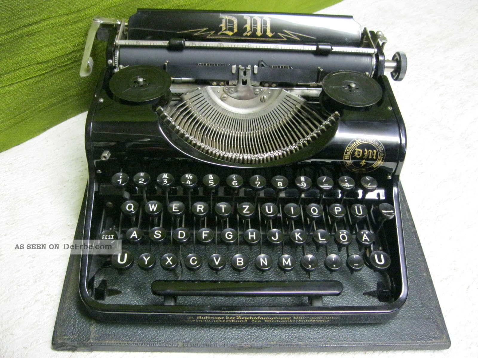 seltene schreibmaschine dm 4 baugl mit olympia simplex. Black Bedroom Furniture Sets. Home Design Ideas