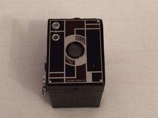Kodak Beau Brownie,  Double Lens,  Rot/schwarz,  120 Rollfilm,  Um 1930 Bild