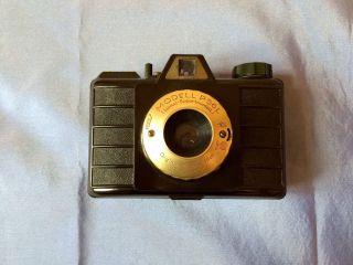 Pouva Modell P56l Kamera,  Luxus Exportmodell,  Tricomat,  1956 Bild